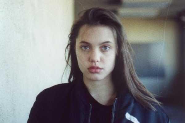 Аппетитная И Злая Анджелина Джоли – Александр (2004)
